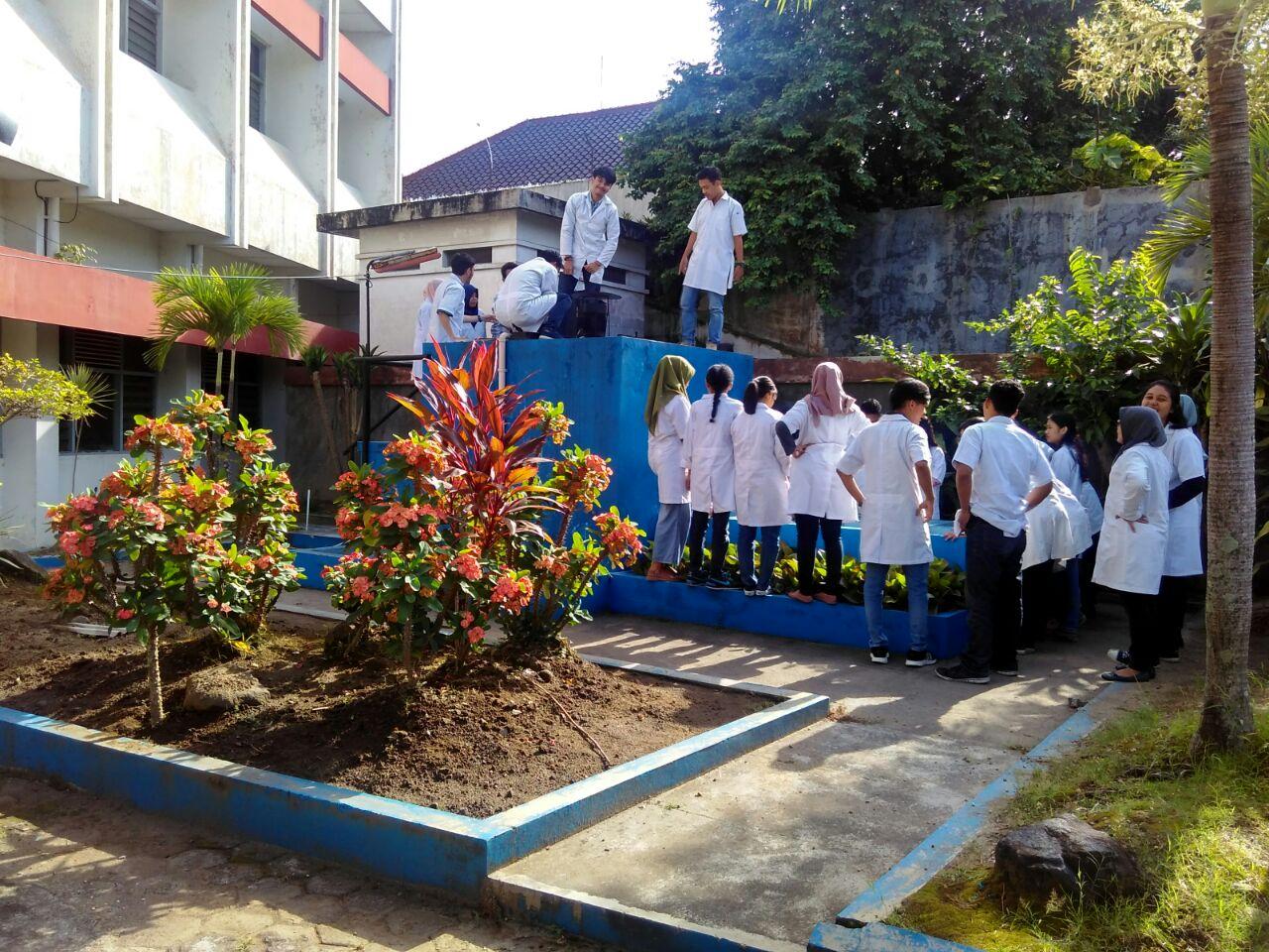 Menilik Mahasiswa Teknik Lingkungan Praktikum Menggunakan IPAL Laboratorium Pusat IST AKPRIND Yogyakarta