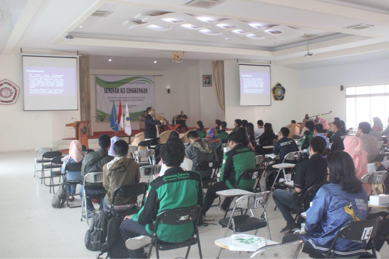 Peningkatan Pemahaman dan Pengetahuan Mahasiswa Melalui Seminar Kesehatan Keselamatan Kerja & Lingkungan (K3L)